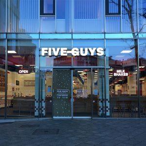Five-Guys-Restaurant-Zeil-Frankfurt-(1)